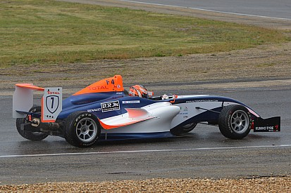 Valentin Moineault sacré Champion de France de Formule 4