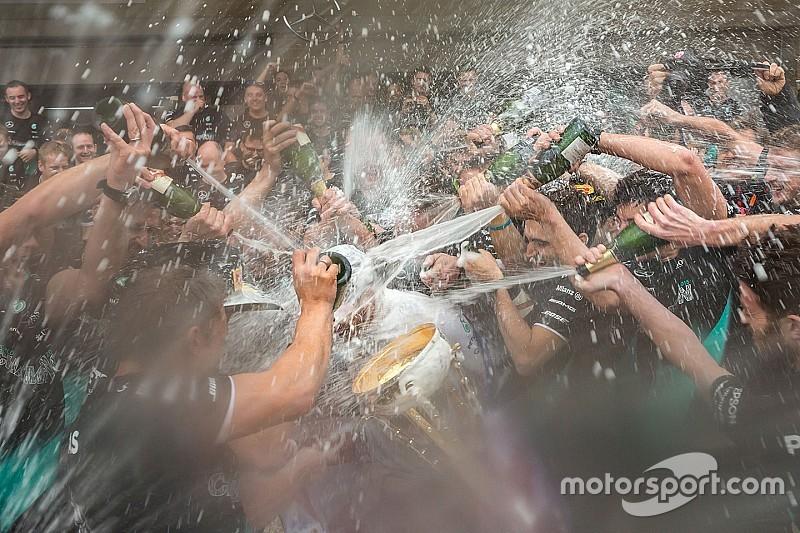 So hat Formel-1-Weltmeister Lewis Hamilton den Titelgewinn gefeiert