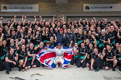 Inside Line F1 Podcast: Crowning three-time champion Lewis Hamilton
