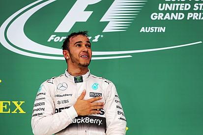 """Hamilton celebra vitória 'estilo Senna': """"eu nunca desisto"""""""