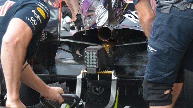 Red Bull: è stato aperto il cofano motore