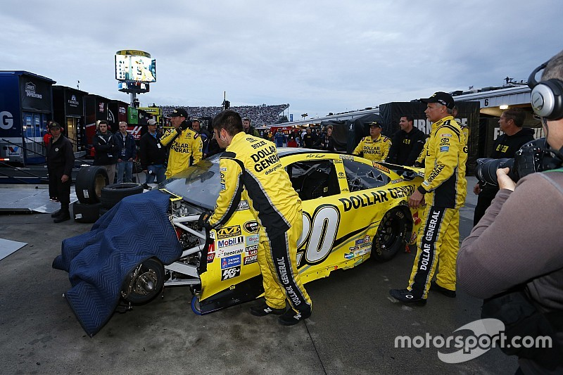 Kenseth parked after wrecking Logano out of the race lead - video