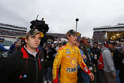 La NASCAR enquête sur l'accrochage Kenseth/Logano