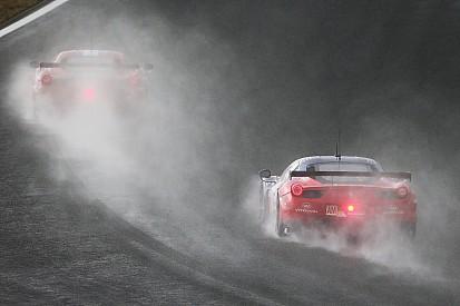 Les Ferrari piégées par la pluie à Shanghai
