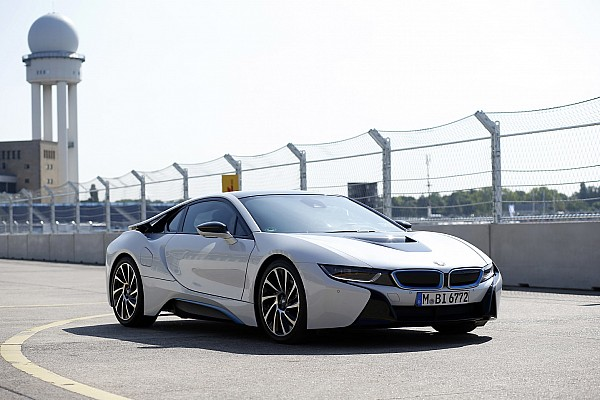 Una Safety-Car BMW i8 ibrida per Alejandro Agag