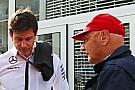 Em rota de colisão, Niki Lauda pode deixar a Mercedes