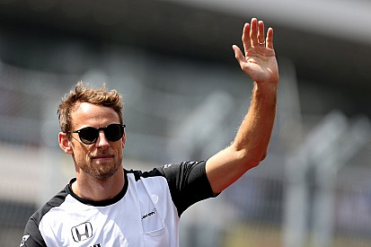 Formel-1-Fahrer Jenson Button beim Race of Champions in London