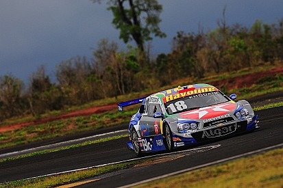 Brazilian V8 Stock Cars: Allam Khodair claims pole at Tarumã and spices title race