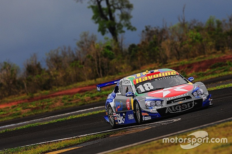 Brazilian V8 Stock Cars: Allam Khodair claims pole at Tarumã and spices title race