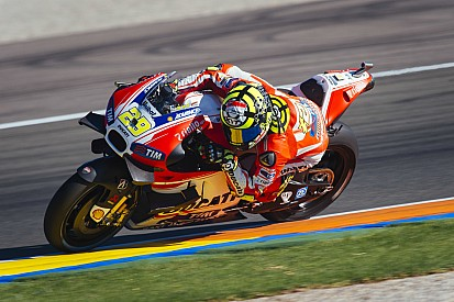 Iannone not interested in helping Rossi win title