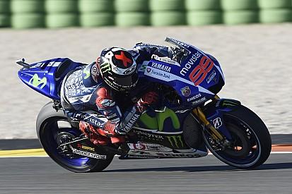 """Lorenzo - """"Si je ne finis pas la course, Valentino sera champion"""""""