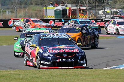 Whincup wins Race 30 and takes Jason Richards Memorial Trophy