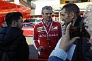 Finali Mondiali Ferrari: Arrivabene firma gli autografi