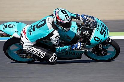 Kent seals Moto3 title despite Oliveira victory
