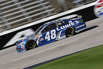 Johnson s'impose devant Keselowski au Texas
