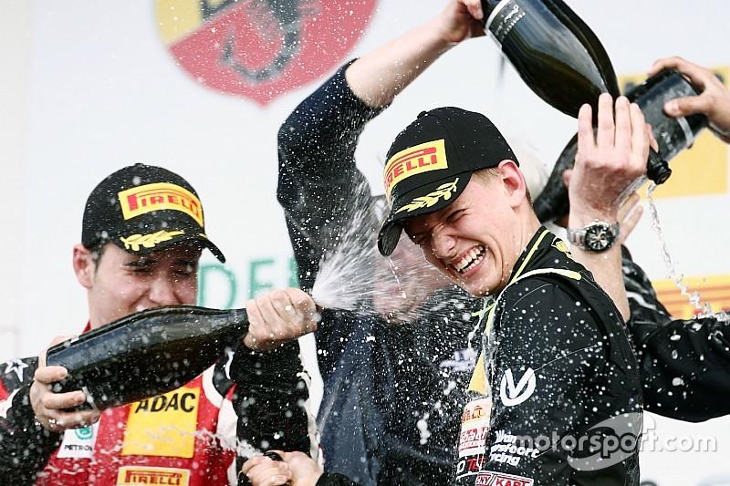 Mick Schumacher se reúne con Ferrari Driver Academy