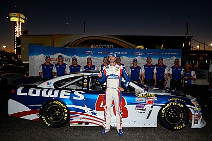 Jimmie Johnson conquista la pole a Phoenix