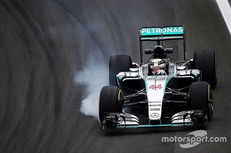 Hamilton dribla quebra e rodada para liderar último treino