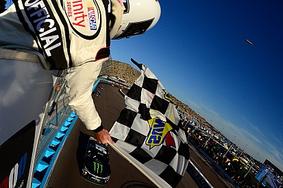 Kyle Busch takes dominating Xfinity win at Phoenix