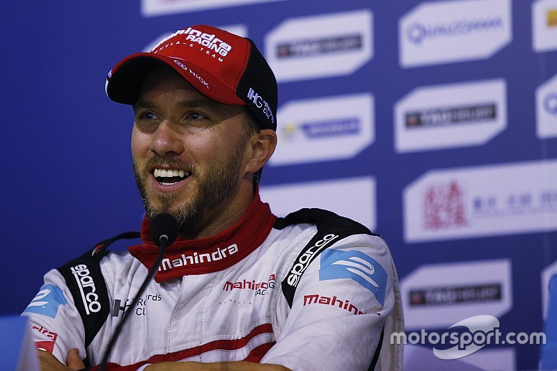 Machucado, Heidfeld não corre etapa final do WEC no Bahrein