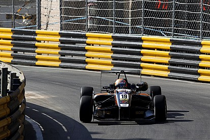 Macau GP: Pommer sets new practice benchmark