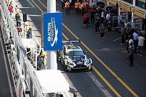GT 排位赛报告 排位赛:三次红旗!穆克意外夺杆