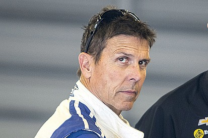 Scott Pruett firma con Action Express