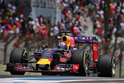 Ricciardo to revert to old-spec Renault engine