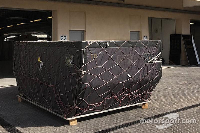 Lotus-Fracht erst mit Verspätung in Abu Dhabi gelandet