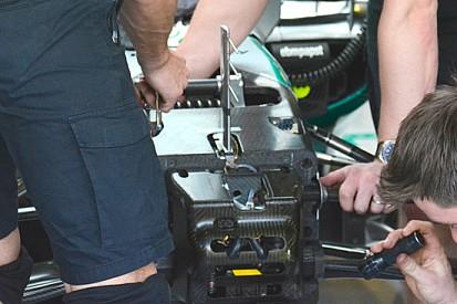 Mercedes: Lewis è tornato al terzo elemento con molla