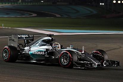 """Hamilton: """"tentamos algo diferente, mas não deu muito certo"""""""