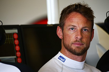 Button says he saw Bottas pit collision coming