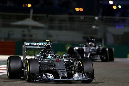 Analysis: Free tyre strategy not enough for Hamilton