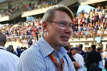 Hakkinen diz que Mercedes venceria com qualquer piloto