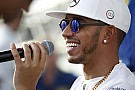 """Hamilton promete se lançar na música em breve: """"é louco"""""""