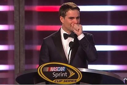 NASCAR celebra temporada com Gordon emocionado e Tom Cruise