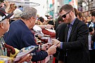 Earnhardt  Jr, el piloto más popular de NASCAR por décimo tercer año al hilo