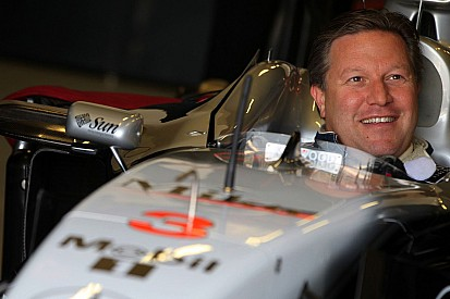 F1's toughest deal? How to buy a Hakkinen McLaren from Ron Dennis
