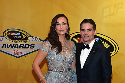 NASCAR y Tom Cruise rinden homenaje a Jeff Gordon