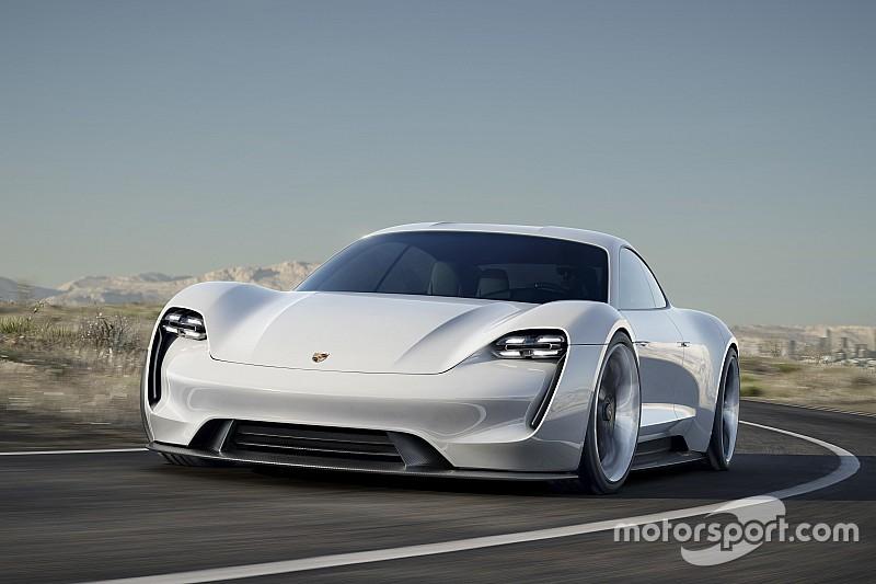 بورشه تُعطي الضور الأخضر لإنتاج سيارة كهربائية
