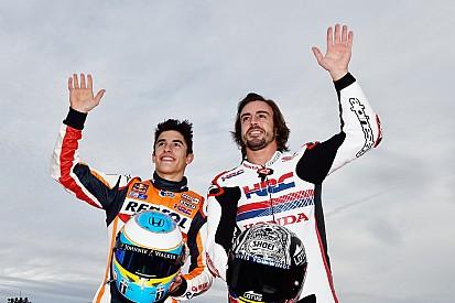 Alonso pilote une MotoGP, Márquez et Pedrosa sur la 500cc de Spencer