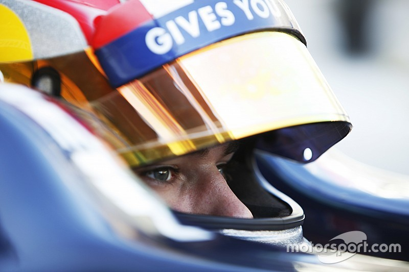 Gasly to stay with Red Bull in 2016