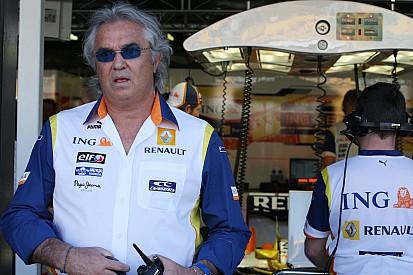 Бриаторе: В Renault нужно менять всё, вплоть до гонщиков