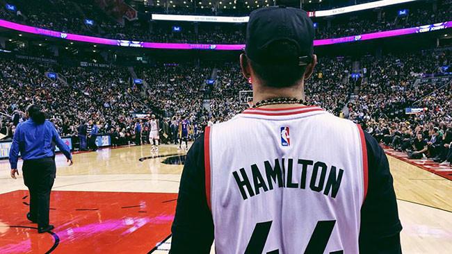 Lewis Hamilton a Toronto per salutare Kobe Bryant