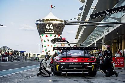 فريق أبوظبي للسباقات-بلاك فالكون بين الثلاثة الأوائل في التجارب الحُرّة لسباق الخليج 12 ساعة