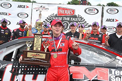 Austin Wayne Self to join the NASCAR Trucks in 2016