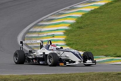 """Após fazer 100% das poles, Piquet corneta """"pilotos lentos"""""""