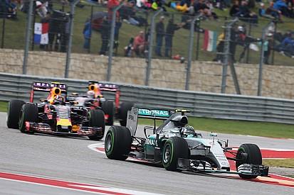 Риккардо: Mercedes останется впереди