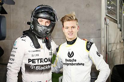 Rosberg aconselha filho de Schumacher a se divertir em pista