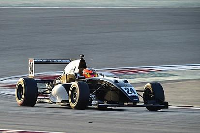 دبي: بيكاريللو يحتلّ قطب الانطلاق الأول بلفّة مذهلة في تحدي إم آر إف